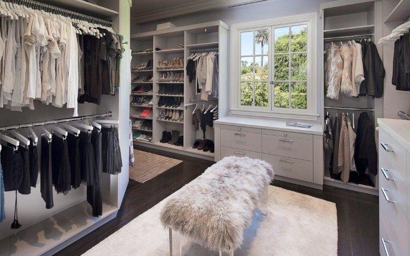top dressing room